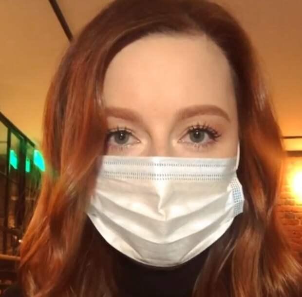 Переболевшая COVID-19 Юлия Савичева не может увидеться с дочкой: боится лететь в Португалию