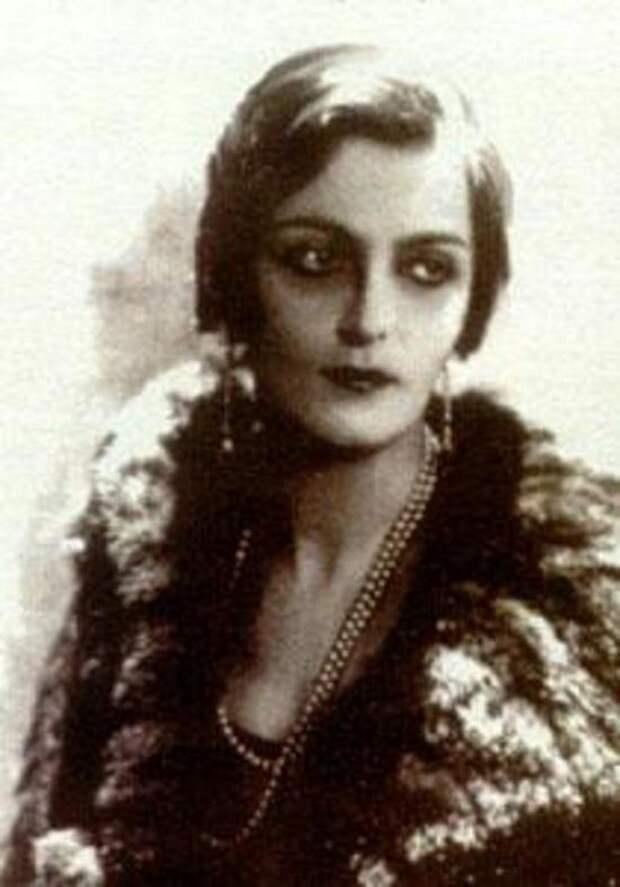 Княжна Мария Эристова - манекенщица дома Chanel.