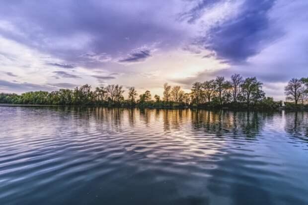 В Нижегородской области 2 человека утонули, пытаясь переплыть водоем на болотоходе