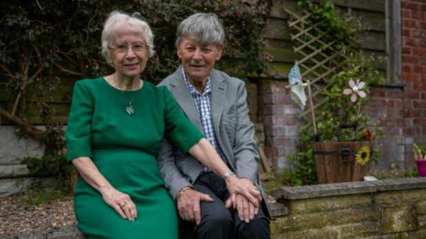 Сыгравшие Иосифа и Марию в спектакле в школе стали парой спустя 75 лет