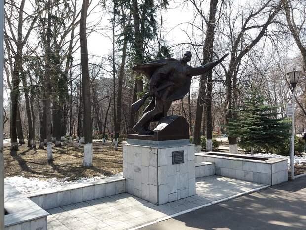 Памятник А. Матросову (Ульяновск).