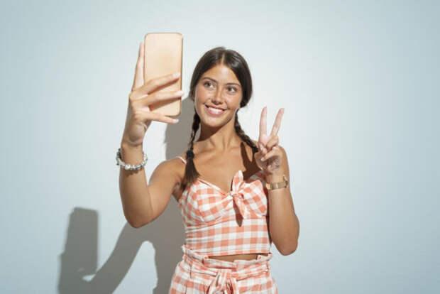 Как зарабатывать на сторис в Instagram: отвечает бл...