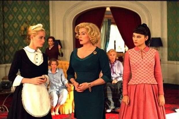 Стильное кино: 8 женщин/8 femmes (2001) Франсуа Озона