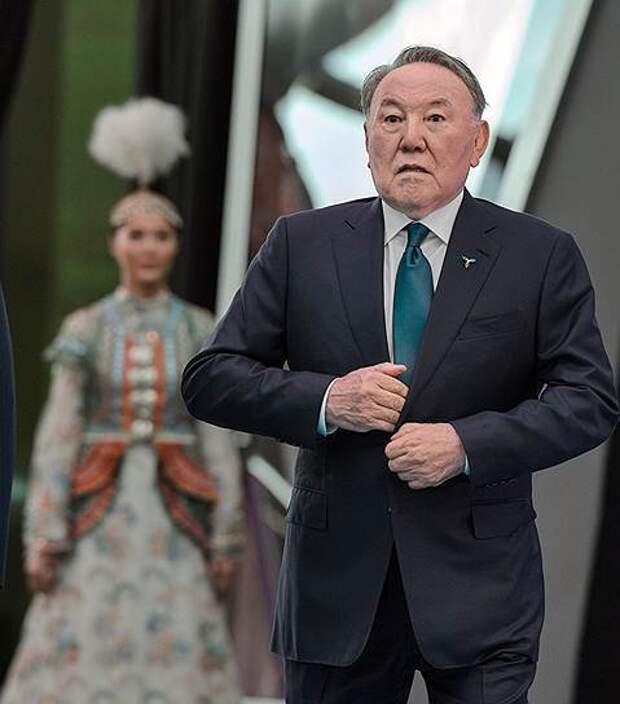 Президент Казахстана никуда не ушел. Назарбаев занял должность пожизненного руководителя страны
