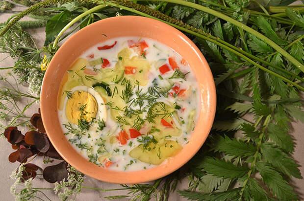 Огуречный суп с зеленью.