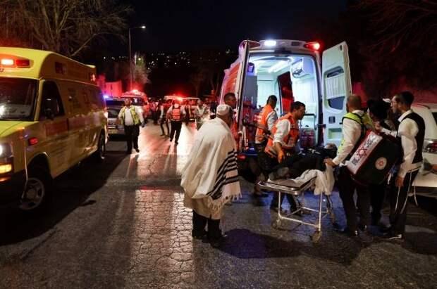 СМИ сообщили о двух погибших в результате обрушения трибуны в Израиле