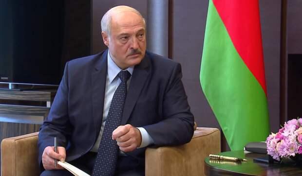 СМИ: Самолет Лукашенко не пустили в воздушное пространство Украины
