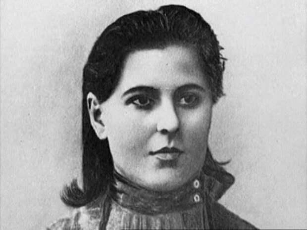 Рузадан Пачкория: кем была женщина, с которой тайно встречался Сталин после смерти жены