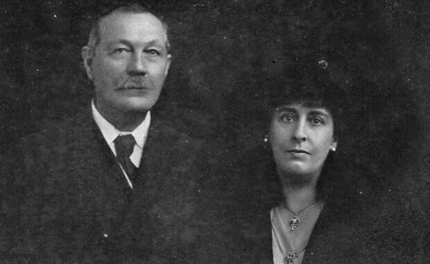Артур Конан Дойл с женой Джин Лекки.