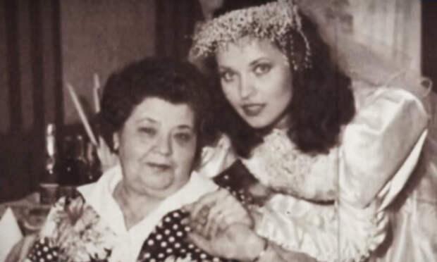"""Людмила Шевель с мамой (фото из программы """"Привет, Андрей"""")"""
