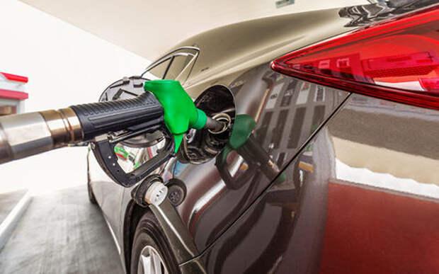 Заморозку цен на топливо продлевать не будут