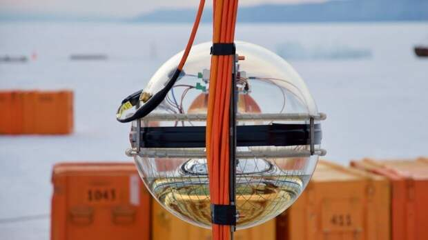 Минобрнауки представит на ПМЭФ глубоководный нейтринный телескоп