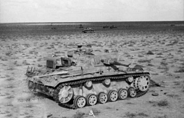 Поврежденные немецкие танки в Северной Африке./фото: warhistoryonline.com