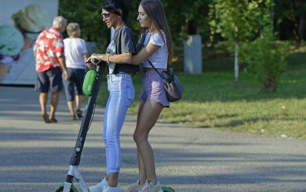 Гонщиков по тротуарам хотят штрафовать за превышение скорости