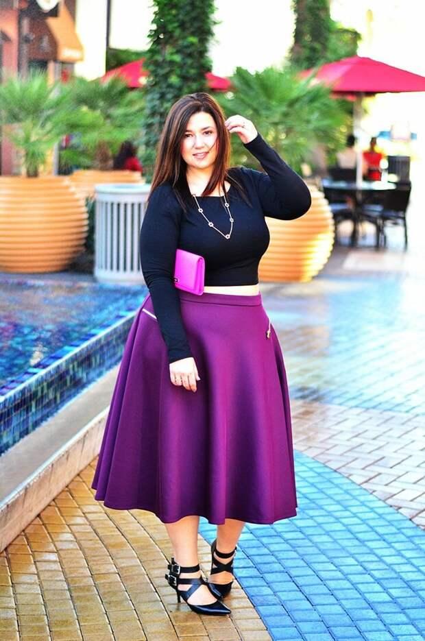 Взрослая женщина в юбке из неопрена. /Фото: i.pinimg.com