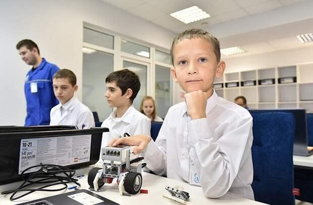 В технопарках «Кванториум» на Кубани начался прием детей