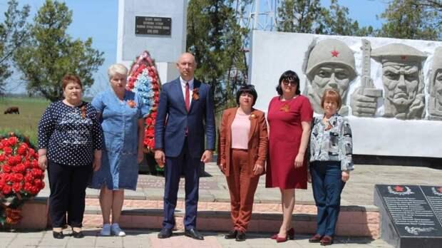 Руководители Советского района посетили памятники ВОВ на территории сельских поселений