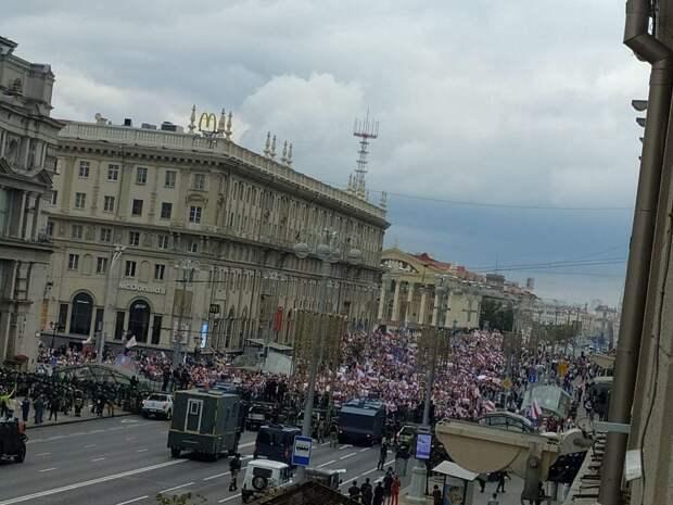 Сотни протестующих были задержаны в Минске