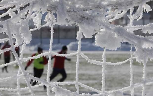 «Сила духа! Здесь НАМ не курорт»: «Сочи» играет в Екатеринбурге в приличный мороз – перепад для южан 26 градусов!