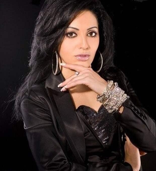таджикская певица Шабнам Сурайё. Фото