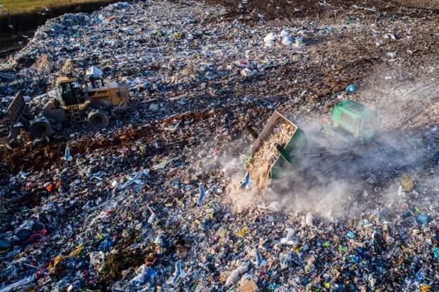 Более половины пластиковых отходов вовсем мире производят всего 20компаний: Новости ➕1, 18.05.2021