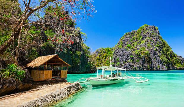 Филиппины вводят двухнедельный карантин для туристов