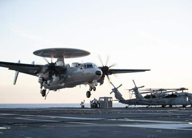 Палубные «летающие радары» научатся управлять беспилотниками