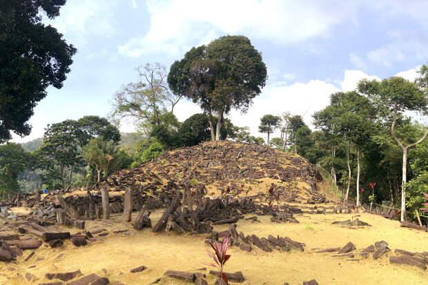 Гунунг Паданг построена в ориентации на Солнце и звезды
