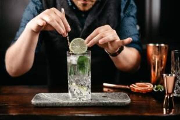 День джина. Готовим коктейли на самом востребованном в барах алкоголе