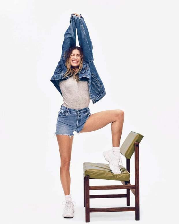 Как носить джинсовую куртку этой весной? Показывает Хейли Бибер