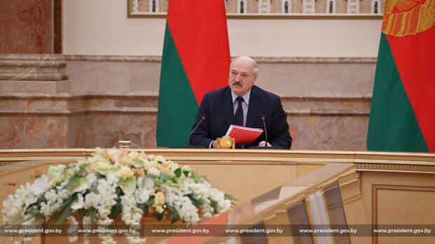 Лукашенко обеспечил себе пожизненное место в руководстве Белоруссии