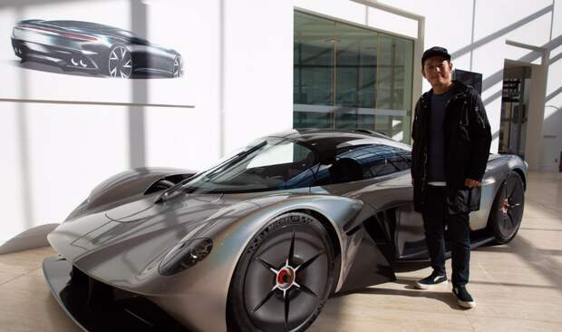 Японский миллиардер потратил кучу денег на подписчиков
