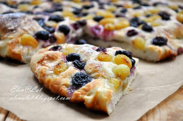 Рецепт на выходные. Итальянский деревенский пирог с виноградом