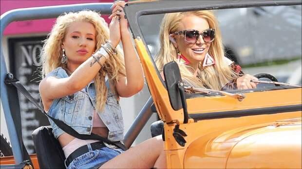 Свободу Бритни! Что происходит с певицей и причем тут ее родители?