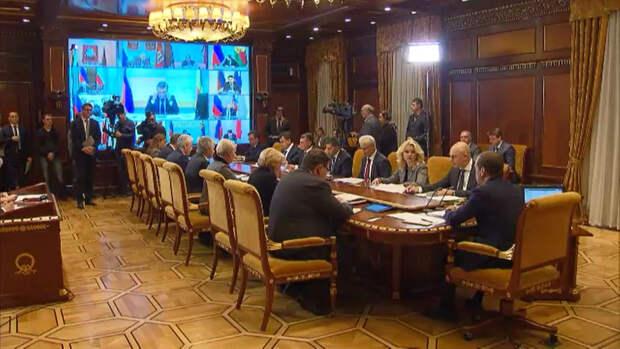 Может, работать не умеете? – Медведев отчитал губернаторов за срыв задач по нацпроектам