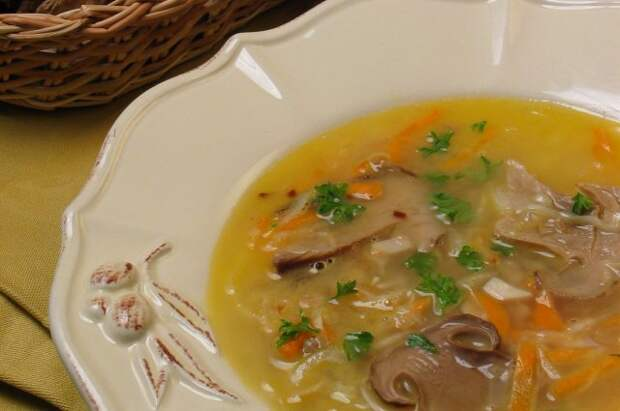 Грибные супы - одно из популярнейших блюд в России.