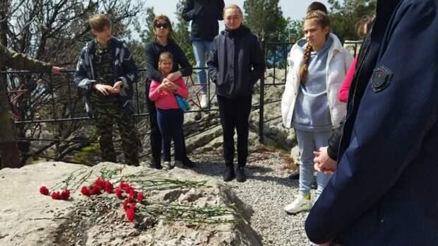 Ялтинская молодежь приняла участие в акции «Десант Победы»
