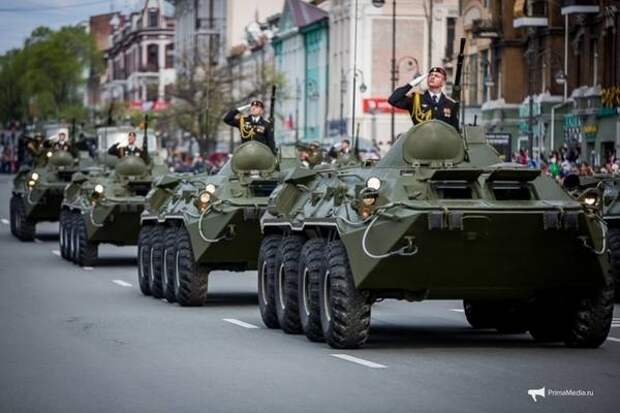 Парад Победы и Бессмертный полк в онлайне: приморцы смогут увидеть всё это, сидя дома