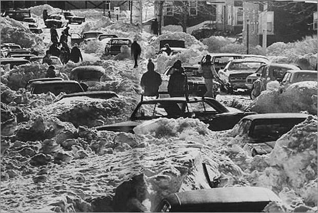 Откопать автомобили было непросто. <br>