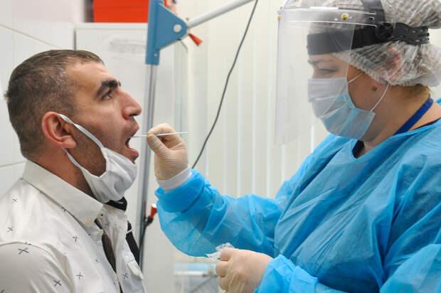Более 11,5 тыс новых случаев коронавируса за сутки отметили в РФ