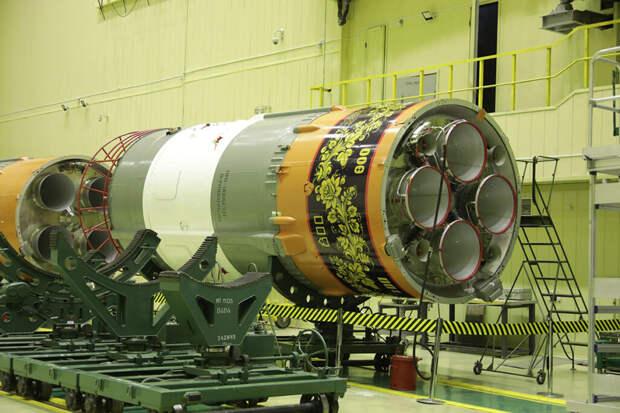 Расписанная под хохлому ракета «Союз» отправится к МКС в ноябре