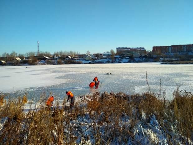 Пока рано: жителей Удмуртии вновь предупредили об опасности тонкого льда