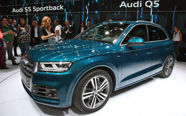 Младший брат: новый Audi Q5 начал принимать комплименты