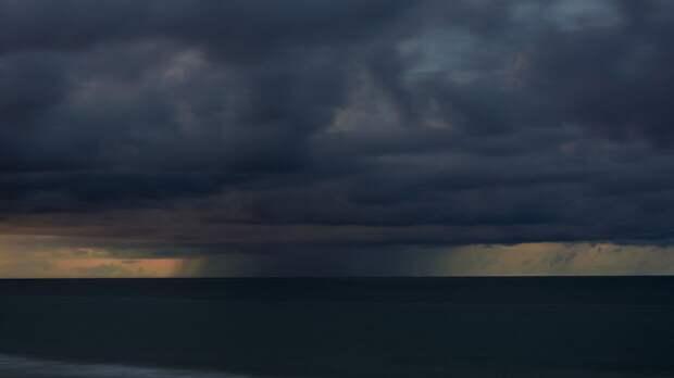"""Американские ученые зафиксировали субтропический шторм """"Ана"""" в Атлантическом океане"""