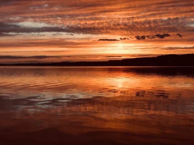 Закат на Ильинском пляже