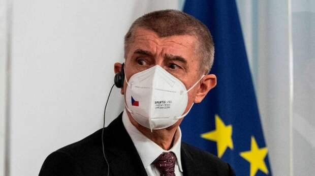 "Главу Минздрава Чехии уволили после скандала со ""Спутником V"""