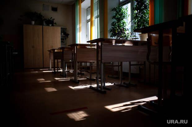 ВПетербурге обстреляли школу, вкоторой расположены четыре УИКа