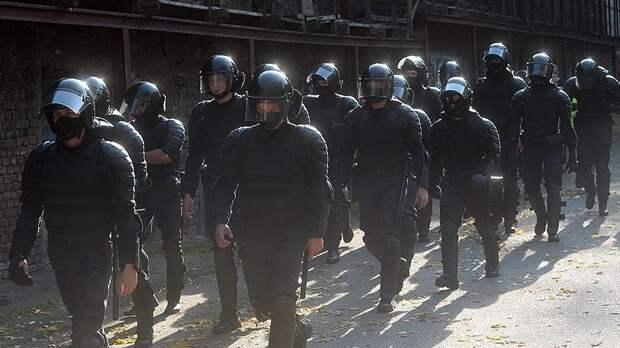 Белорусские правозащитники сообщили о задержании 100 демонстрантов