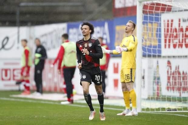 «Бавария» сыграла вничью с «Фрайбургом», «Айнтрахт» потерял очки в матче с «Ш...