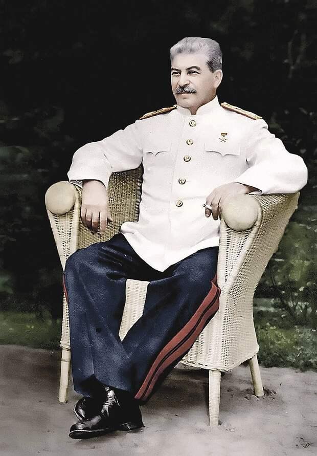 Правнук Сталина объявил войну самозванцам, наживающимся на имени генералиссимуса